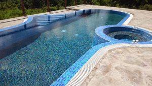 басейни